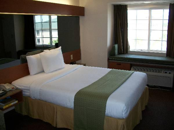 Kamar Queen (Queen Room)