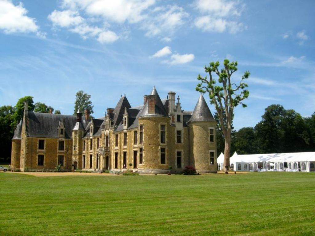 More about Castle Cheronne
