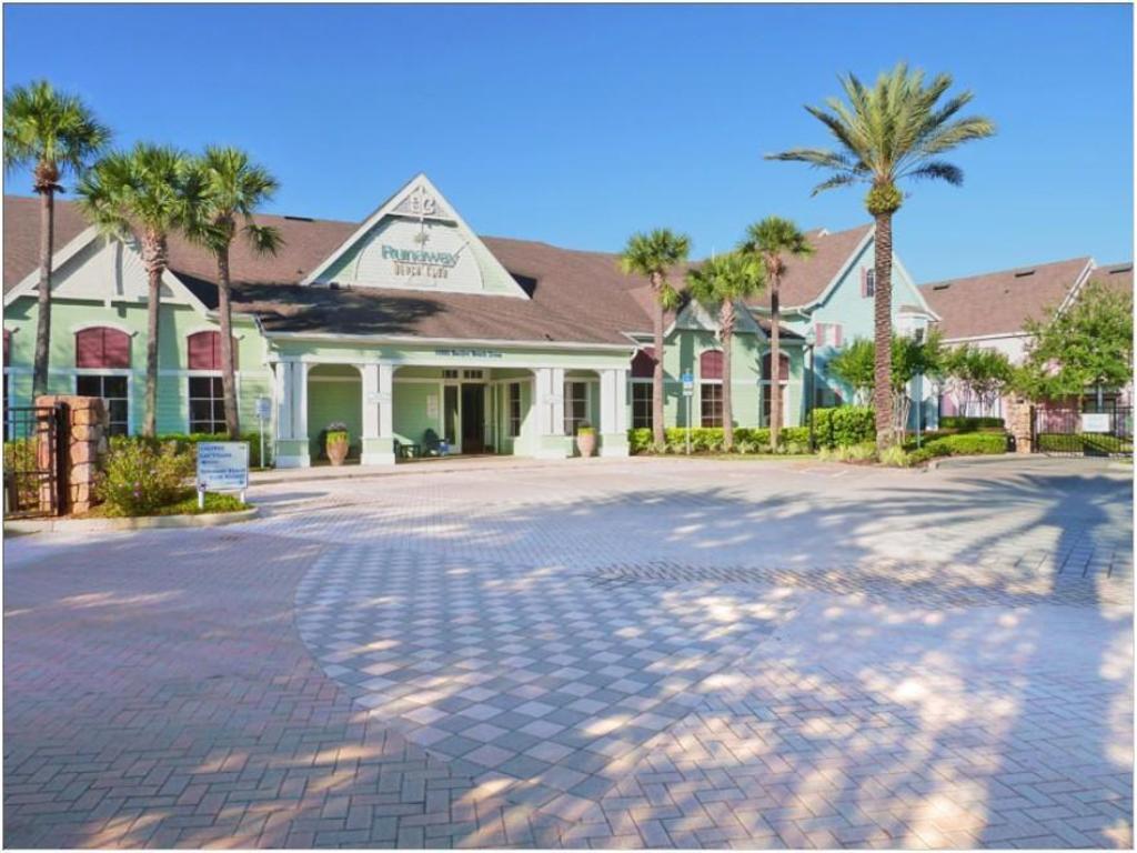 Runaway Beach Club Apartments Orlando