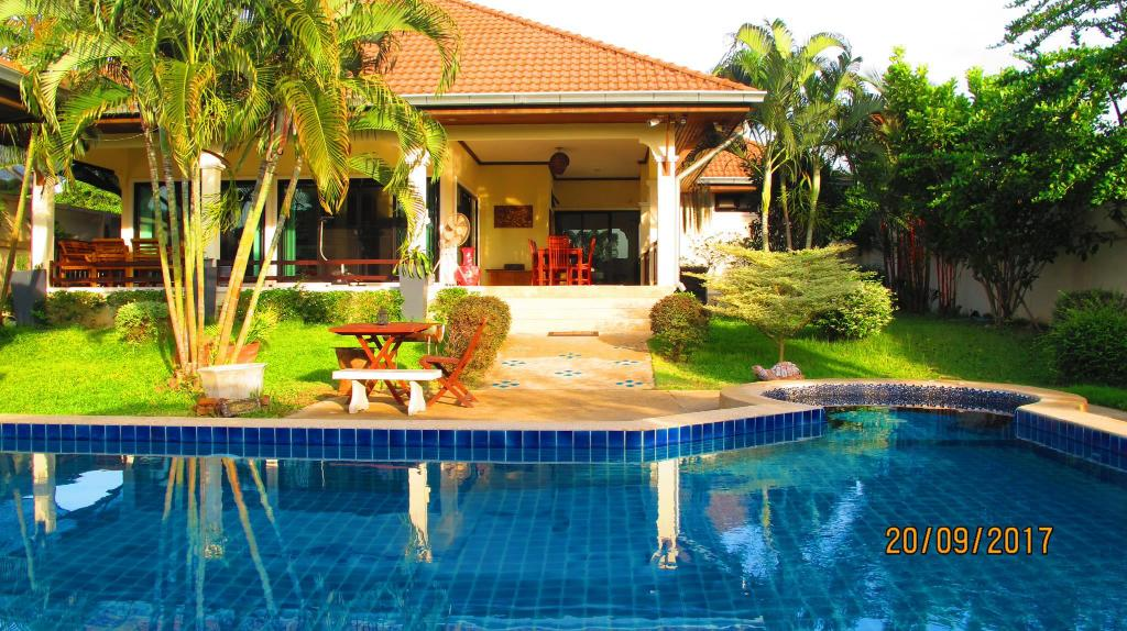 Luxury Pool Villa Rayong