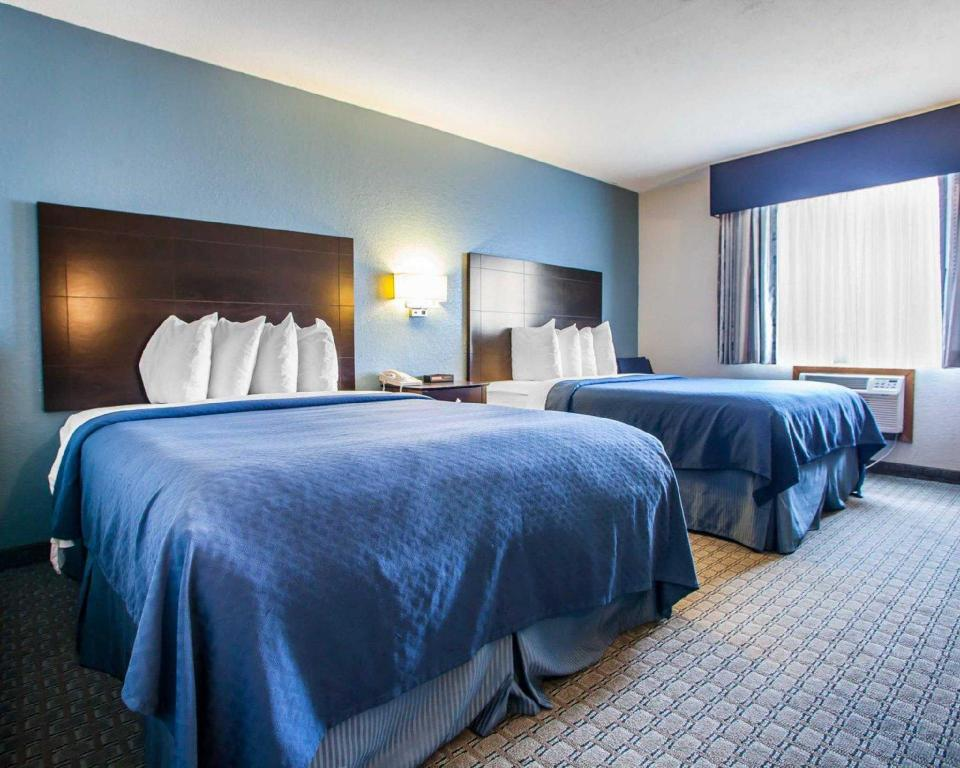 2 Queen Beds Nonsmoking - Guestroom Quality Inn & Suites