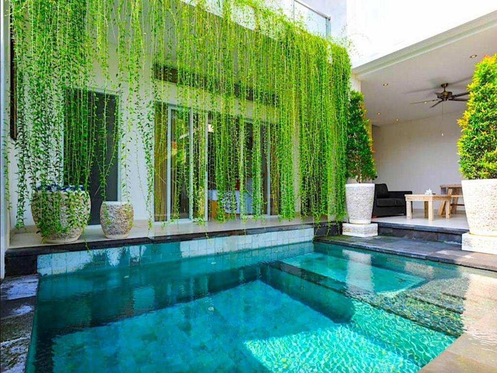 Puri Bagus Villa Legian In Bali