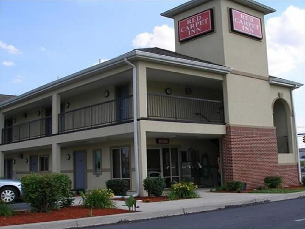 Vista exterior Red Carpet Inn Chambersburg