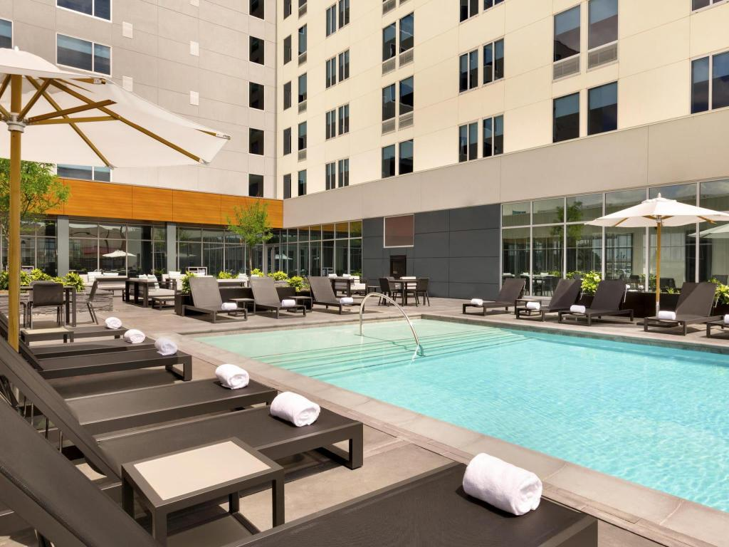 Swimming pool [outdoor] Aloft Dallas Love Field
