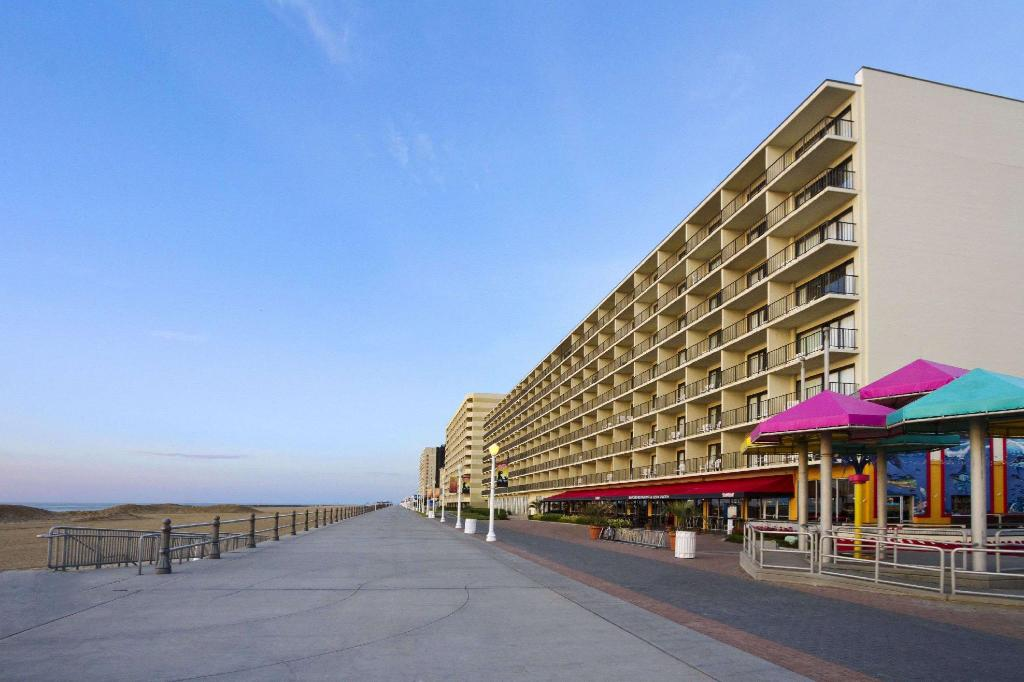 Ramada By Wyndham Virginia Beach Oceanfront Northeast