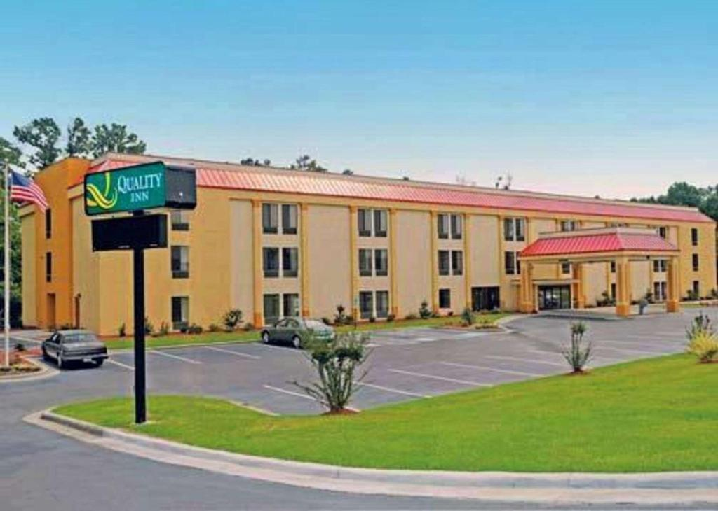 More about Quality Inn Fayetteville