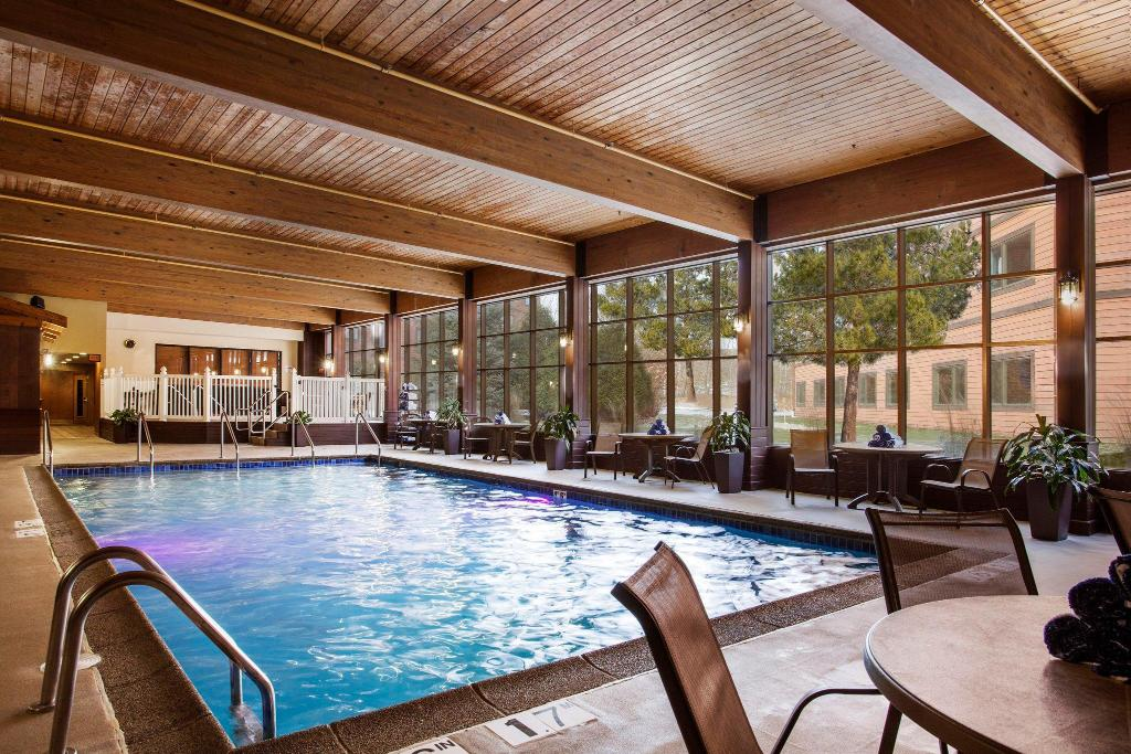 Piscina Radisson Hotel & Conference Center Green Bay