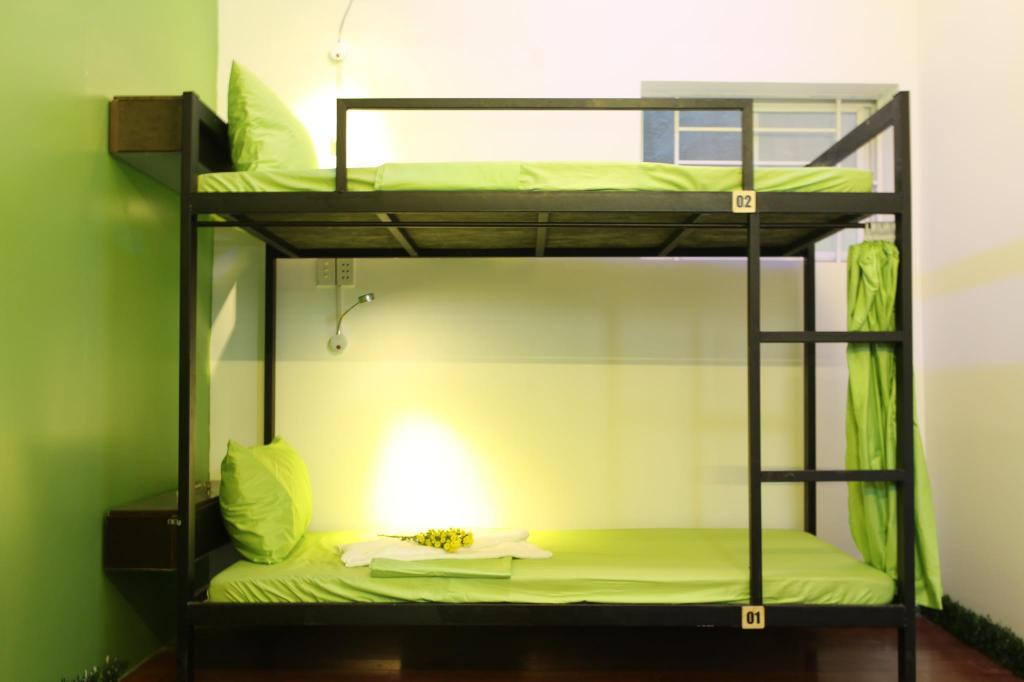 1 Person in 4-Bed Dormitory - Mixed - Interior view 4 SEASONS HOSTEL