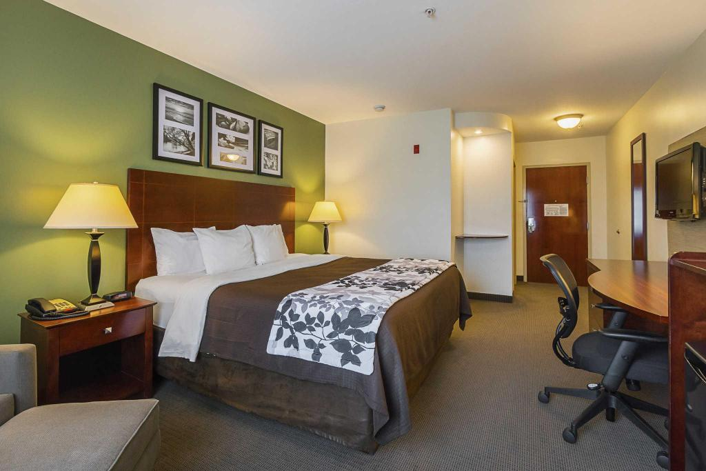 King Room - Non-Smoking Sleep Inn and Suites Manchester