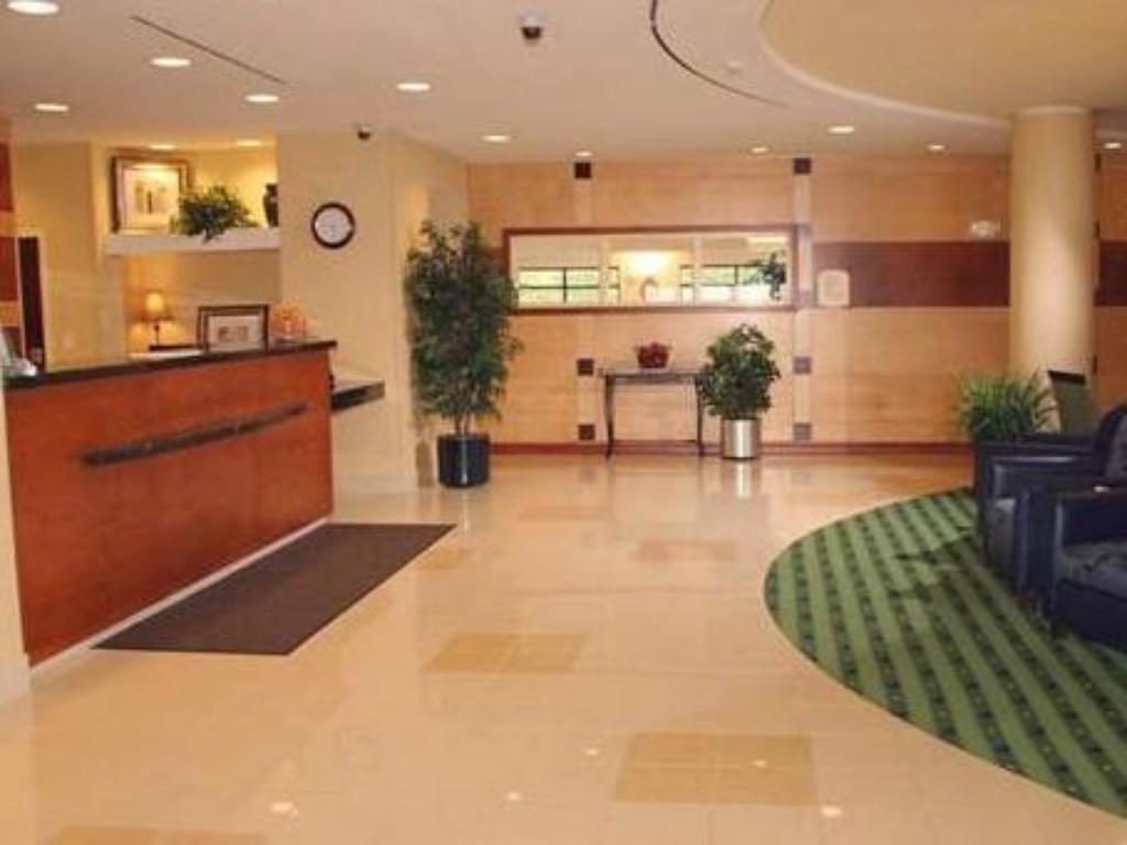 Lobby SpringHill Suites Erie