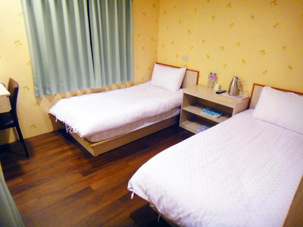 Twin Room - Bed YING LUN HOTEL