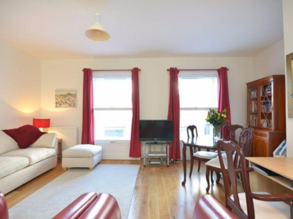 Kensington Gardens Studio Apartment