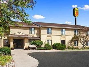 Super 8 Germantown Wisconsin