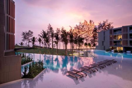 Swimming pool [outdoor] La Vela Khao Lak