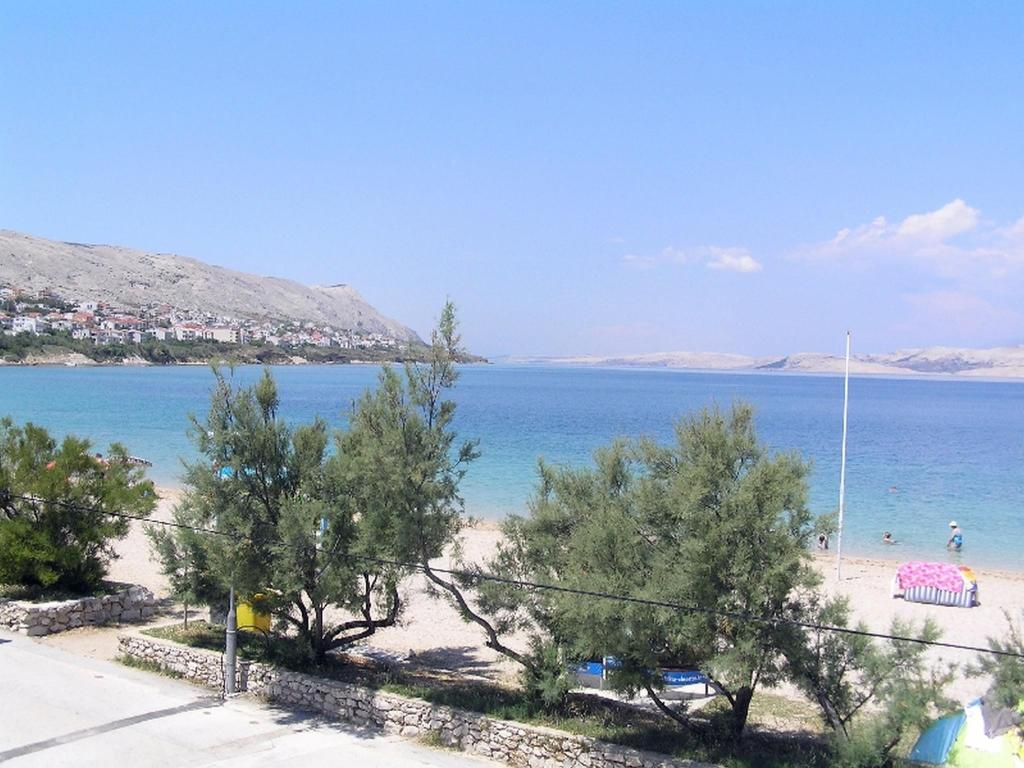 Classic three bedroom apartment in Pag