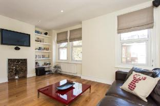 New Amazing 2BR Roof Terrace Flat in Battersea