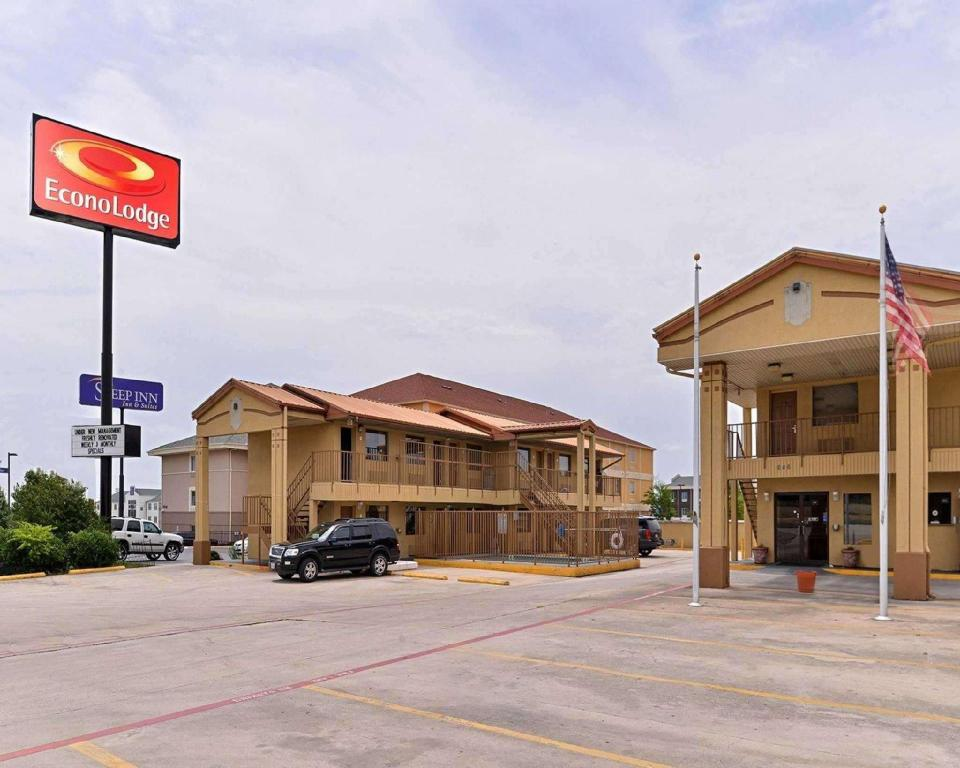 econo lodge hotel killeen killeen tx from 40 save. Black Bedroom Furniture Sets. Home Design Ideas