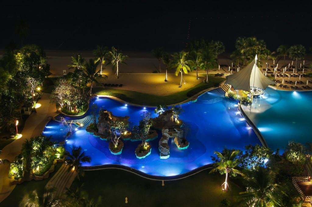 Swimming pool [outdoor] White Sand Beach Residences Pattaya