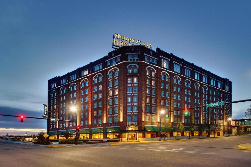 Drury Plaza Hotel Broadview Wichita In Wichita Ks Room Deals