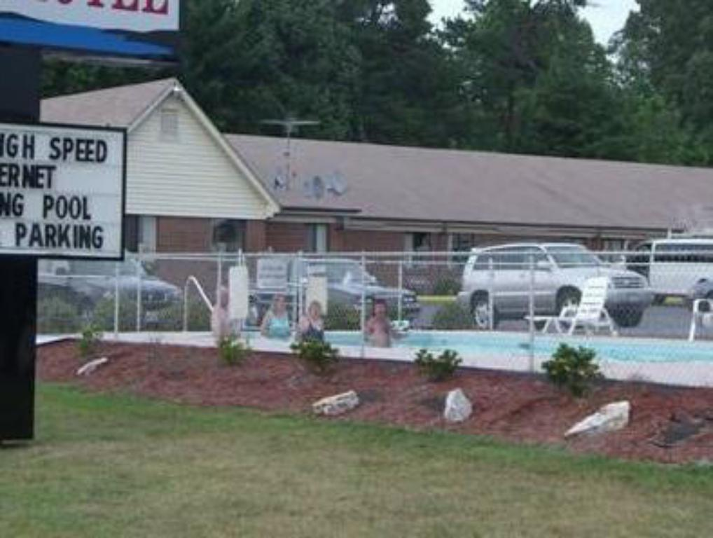 More about Timberlake Motel