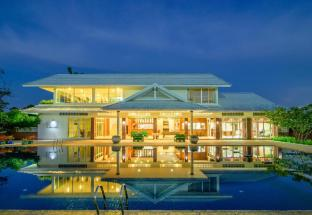 Hua Hin Condotel & Resort by Taweeporn