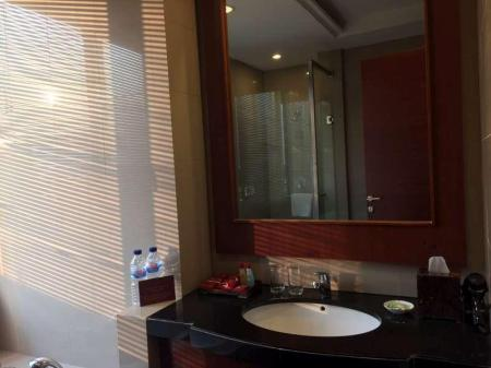 Bathroom Manado Quality Hotel