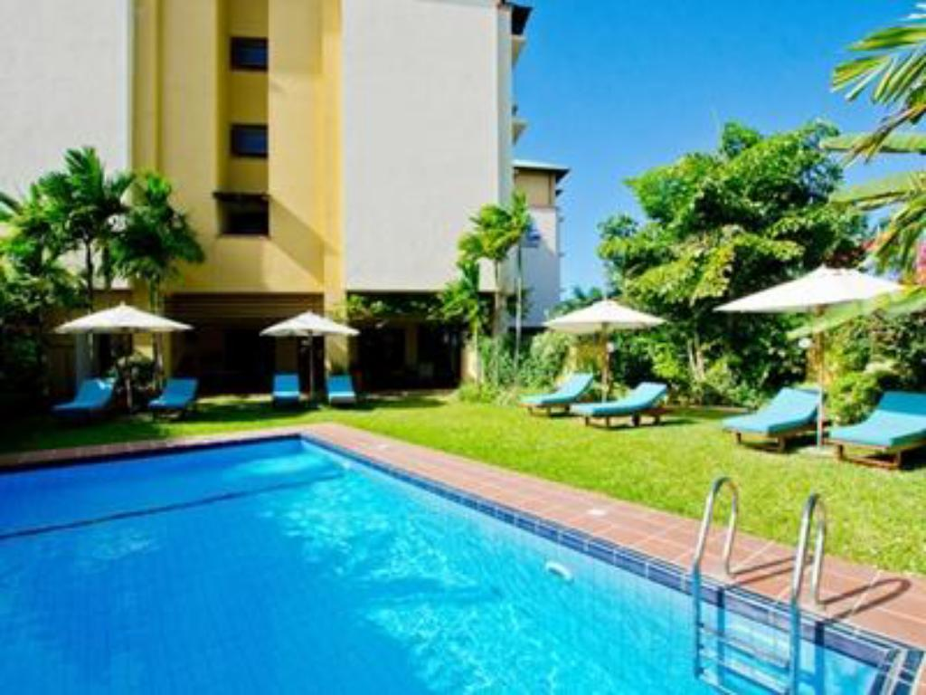 Swimming pool [outdoor] Sea Cliff Court Hotel and Luxury Apartments
