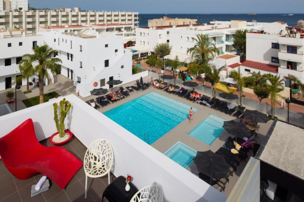 Swimming pool Migjorn Ibiza Suites & Spa
