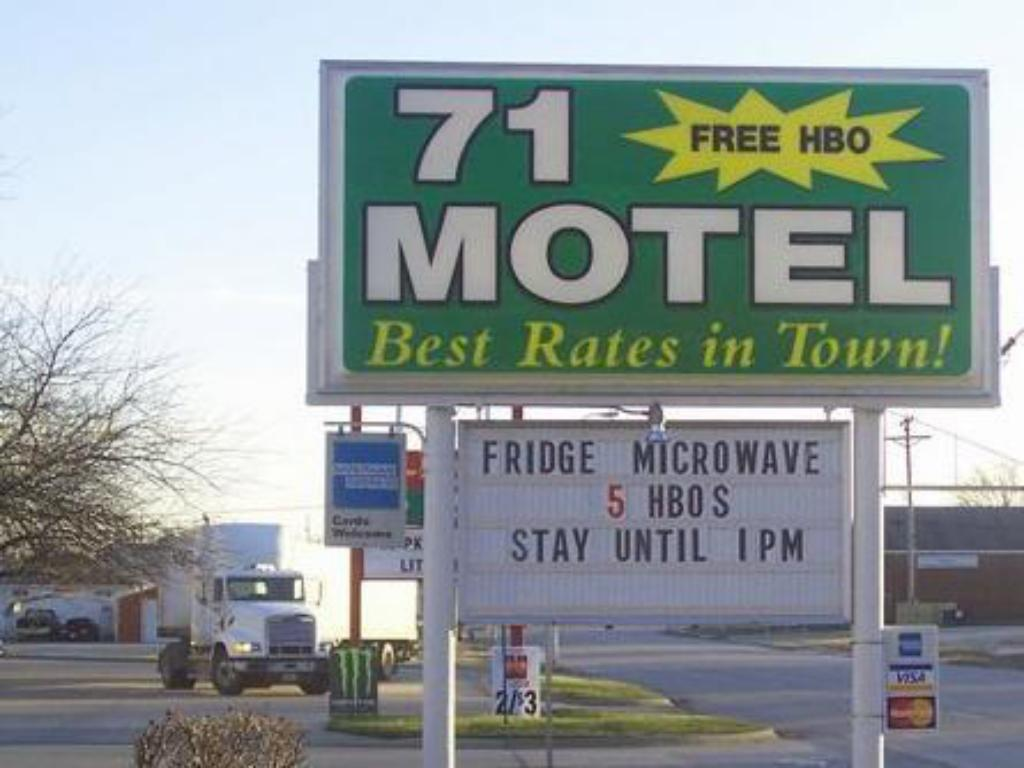 More about 71 Motel
