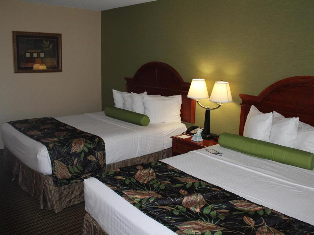 Queen Bed - Guestroom Best Western Celebration Inn and Suites