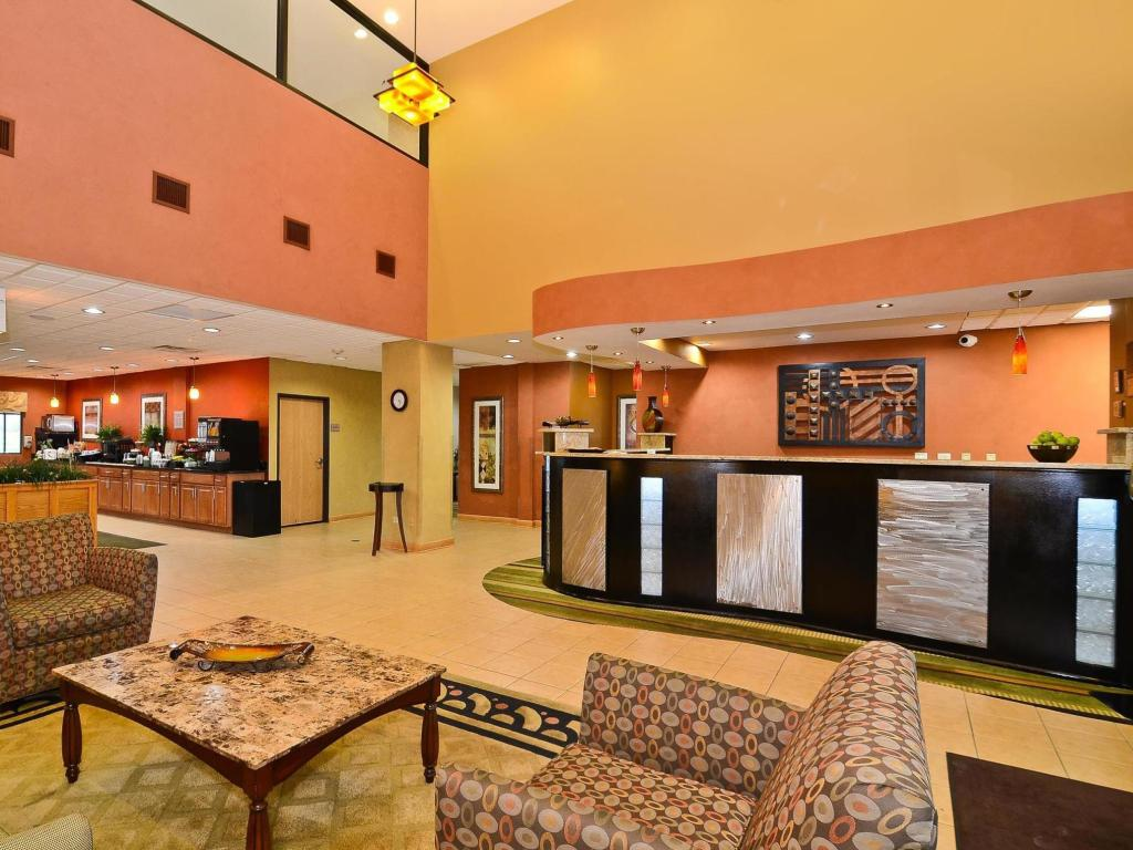 Lobby Best Western Chicago Southland