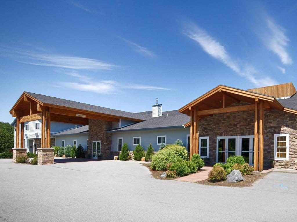 Best Western Plus Ticonderoga Inn and Suites