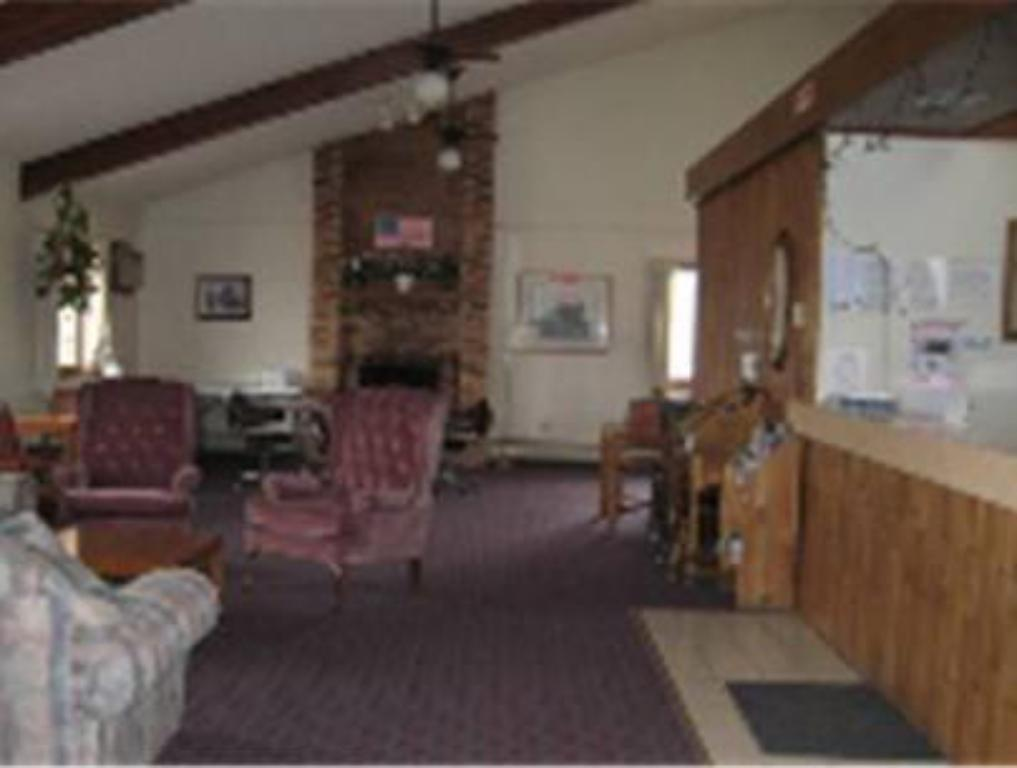 More about AmeriVu Inn & Suites-Avon