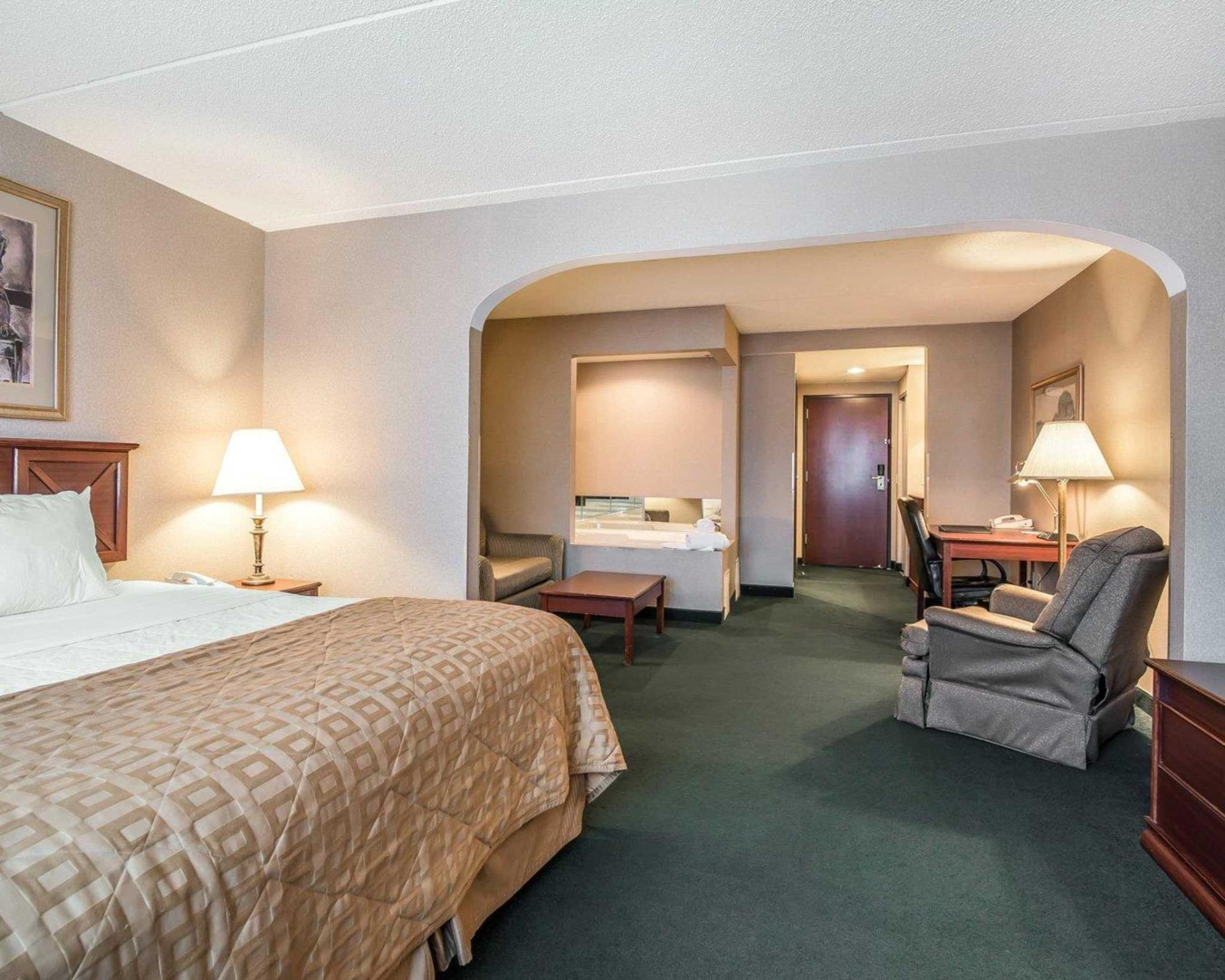 Clarion Hotel Oneonta In Oneonta Ny Room Deals Photos