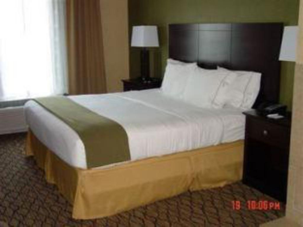 holiday inn express and suites kittanning in kittanning pa room