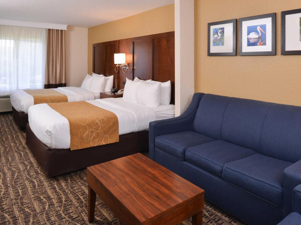 2 Queen Beds - Guestroom Comfort Suites The Villages Lady Lake