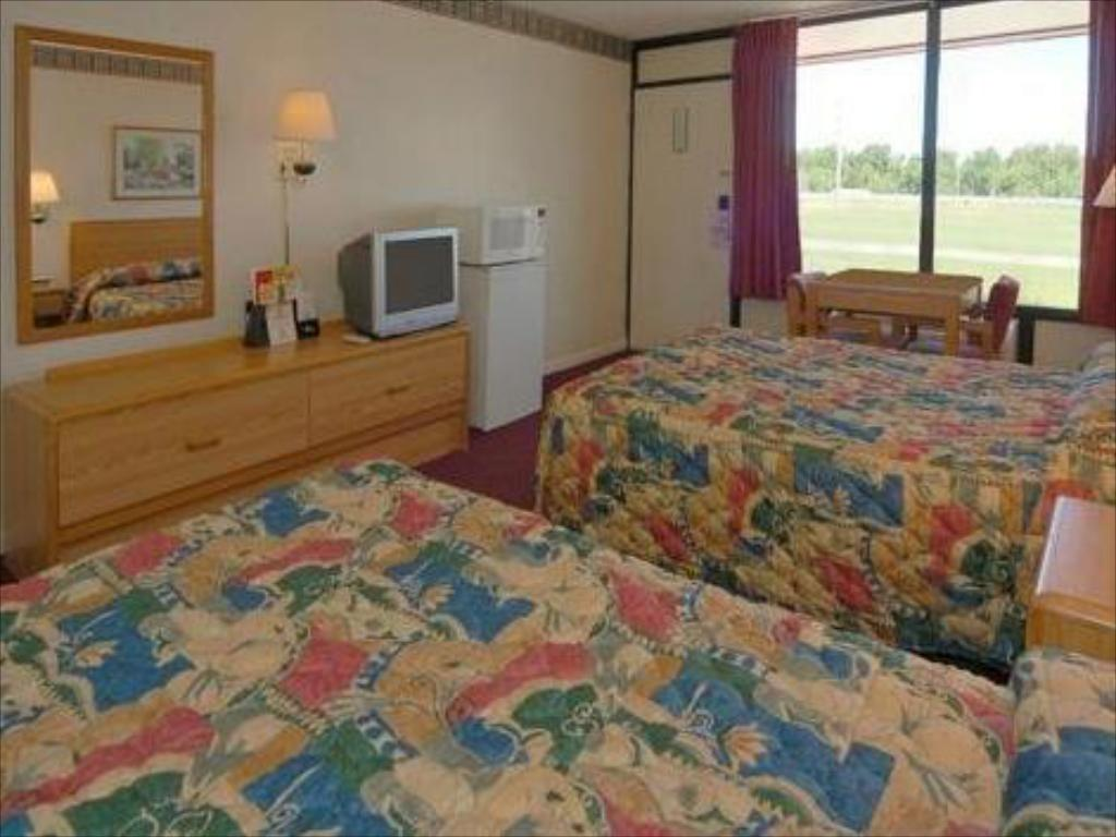 See all 25 photos Econo Lodge Oak Grove Blue Springs