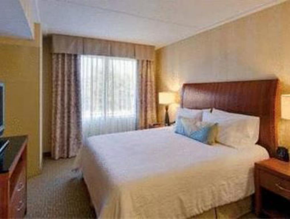 King Room - Non-Smoking - Bed Hilton Garden Inn Lakewood