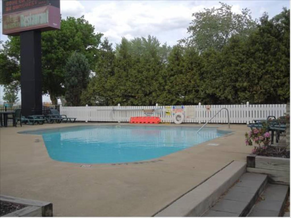 Piscina OurGuest Inn & Suites Downtown Port Clinton