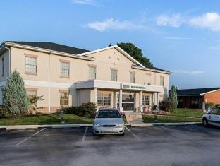 Quality Inn & Suites Skyways