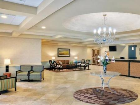 Lobby Radisson Hotel Freehold
