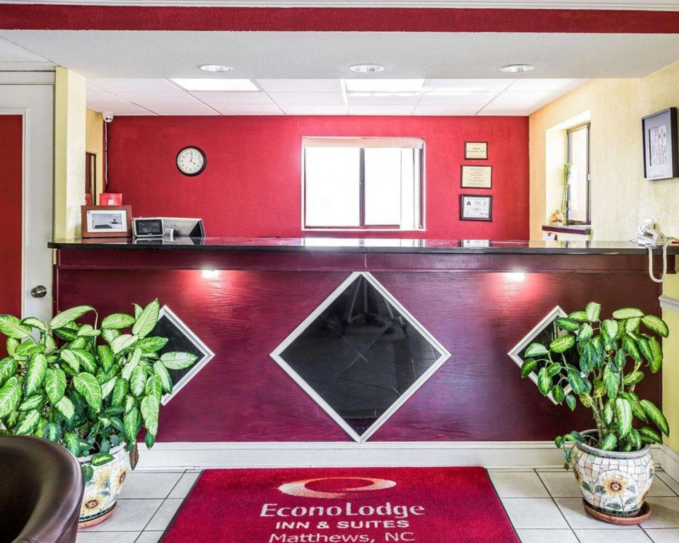 Lobby Econo Lodge Inn and Suites Matthews - Charlotte