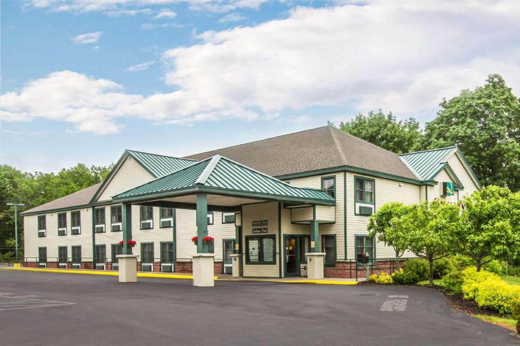More about Quality Inn Glen Falls-Queensbury