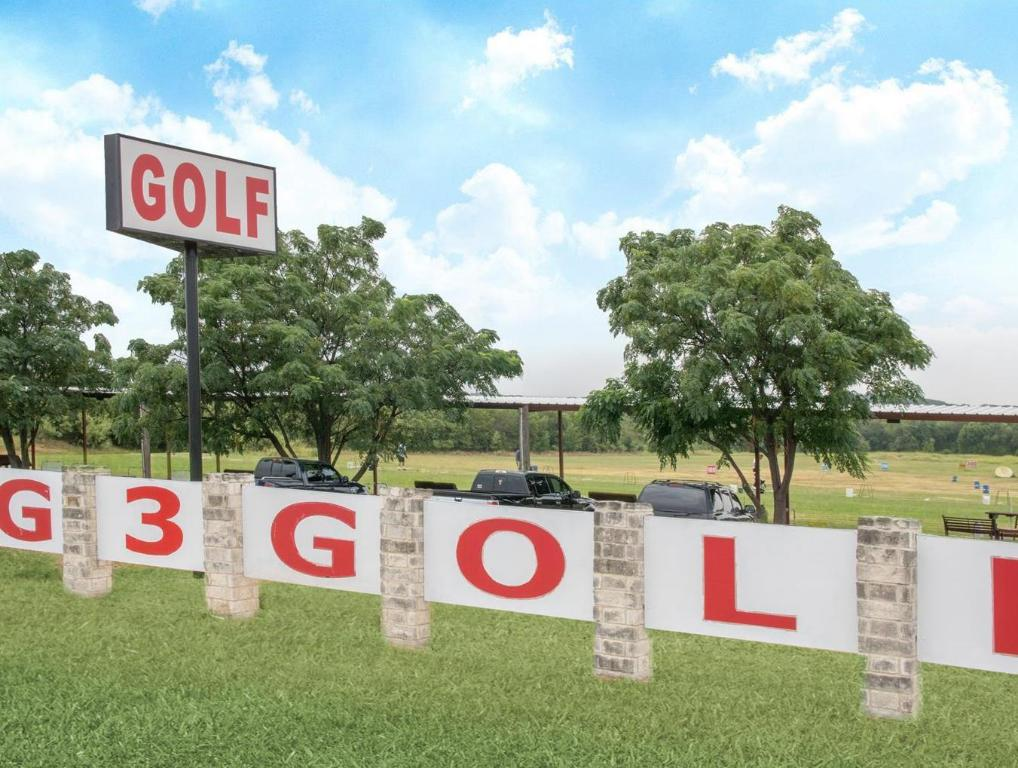 Golf course [on-site] Super 8 Harker Heights Killeen