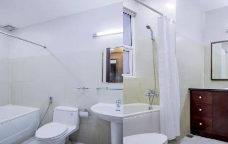 Bathroom Poonsa Serviced Apartment
