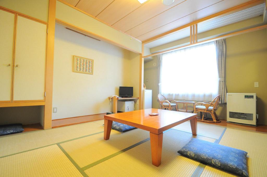 Japanese Room ( 3 person ) Hotel Northern Lodge