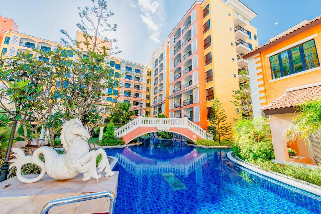 Swimming pool [outdoor] Venetian Resort Jomtien