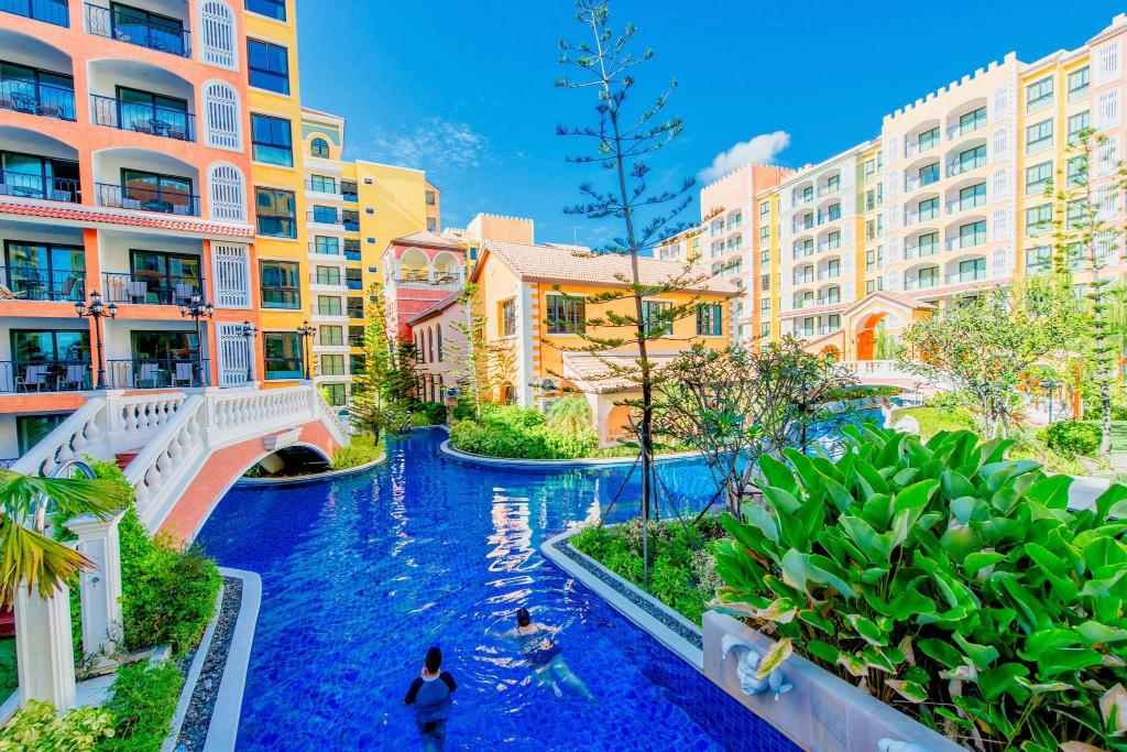 More about Venetian Resort Jomtien