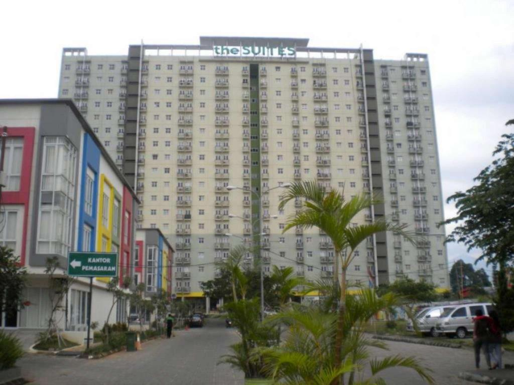 Exterior view The Suites Metro C02 19 by Homtel