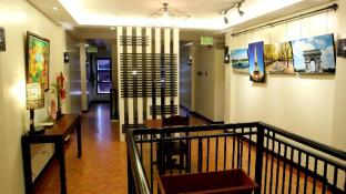 Hotels Near Garden By The Bay Floating Seafoods Restaurant Davao